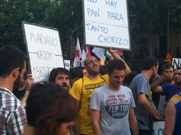 La gente de @juventudsin con unos #sobracos llenos de mensajes #BarbacoaDestituyente pic.twitter.com/WYYrk8un9p