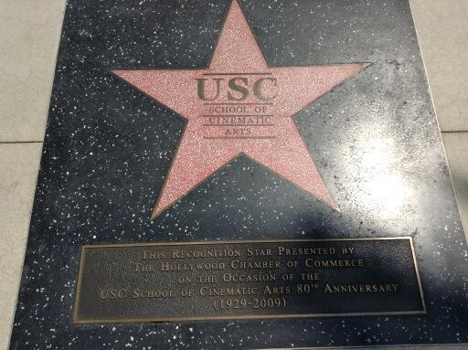 Usc Hollywood welcome to LA pic.twitter.com/a5T4XBcFEz