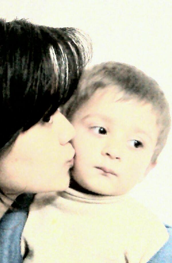 only can aunt can give hugs like a mother,keep secrets like a sisiter,and share love like a friend :) ILY nephew! http://t.co/vMvpZfCm6t