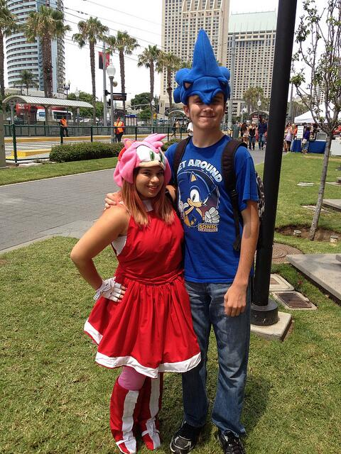 Sonic the Hedgehog on Twitter  Sonic and Amy Rose at San Diego Comic Con. Have a SEGA costume? Come to our arcade to get your picture taken! & Sonic the Hedgehog on Twitter: