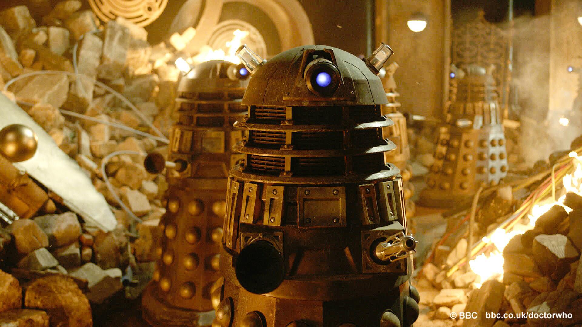 Doctor Who - Page 5 BPu8EqYCMAApio0