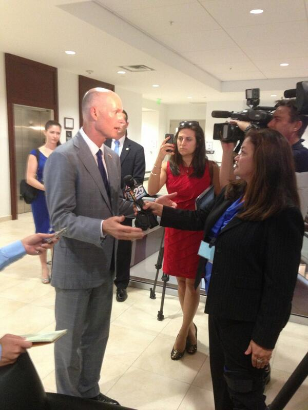 Gov. Rick Scott answers reporters' questions about Stand Your Ground and water issues. pic.twitter.com/XjkwsXgp4M