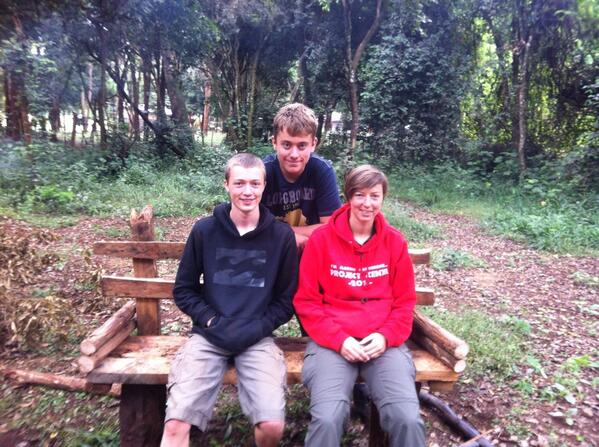 @kenya2013_ community service day - just finished building my bench!! #makingadifference pic.twitter.com/2IlH55JjQY