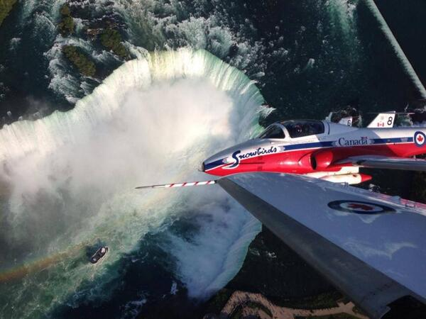 Chris Hadfield Shares Stunning Image Of Niagara Falls From Above (PHOTO)