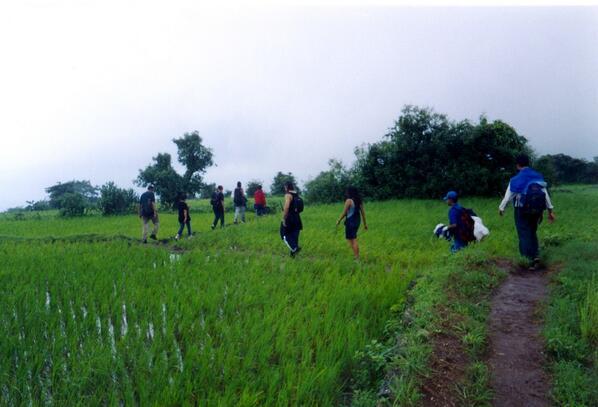 @Sihpromatum hike. walk. trek....or just stay indoors & read :) #travelindia pic.twitter.com/CxWYFI3bPl