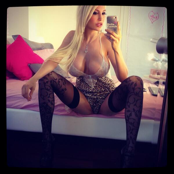 Bella French  - style xxx twitter @bellafrench69 mirrormonday,camgirl