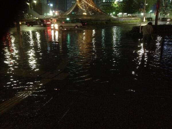 名古屋駅前が豪雨で水没
