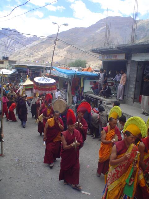 #travelindia A4: I've never been to a festival in India. I did go to a parade for the Dalai Lama's b-day in Kaza pic.twitter.com/PpWtgAUzF3