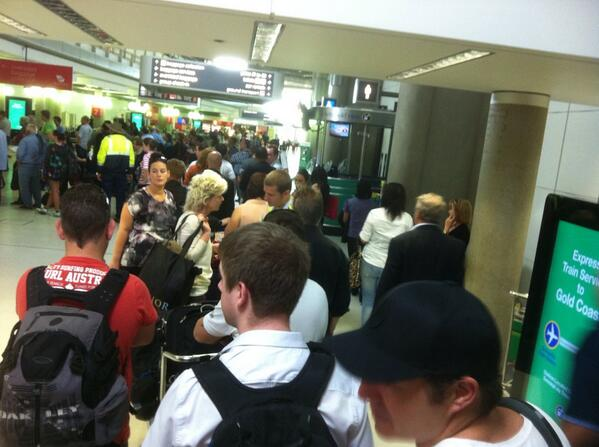 Have moved about 10 metres in just over an hour. #VirginAustralia #Brisbane airport pic.twitter.com/q6GGH2ZEvH
