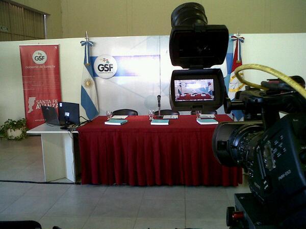 #70AsambleasCiudadanas Últimos ajustes en #Rafaela pic.twitter.com/Ge7U2V7Cf0