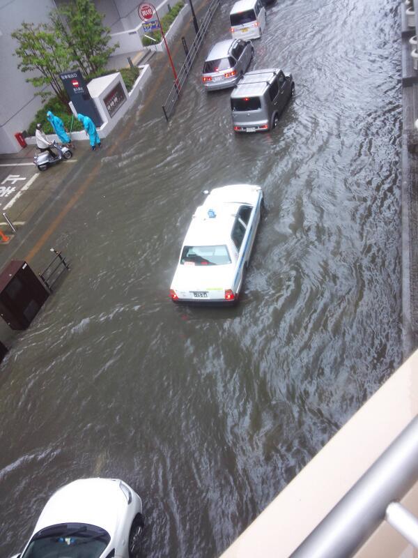 仙台駅周辺は凄い雨