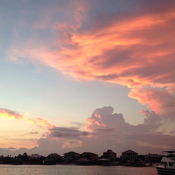 Twitter / ShellyKramer: Summer sunset. Life is good. ...
