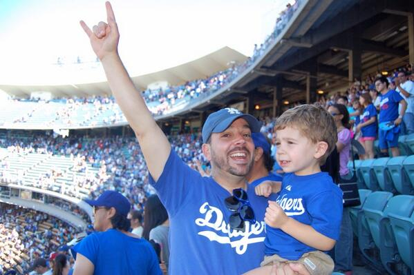 Took the boy, 2, to first @Dodgers game. 11 innings of scoreless ball, hung like pro. Then #Puig happened: pic.twitter.com/GJU2ox9AvJ
