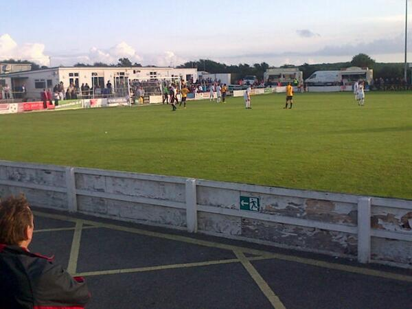 Truro city vs. Oxford united.....@Tyler_Matthews6 we miss you!! pic.twitter.com/vcH9vqV5by
