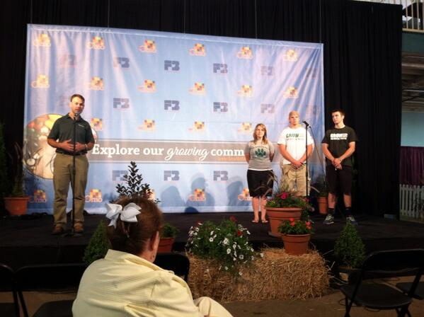 Grow Food Grow Hope presentation at #OSF13. Thanks Wilmington College. #OFBF pic.twitter.com/0vrknzSMAr