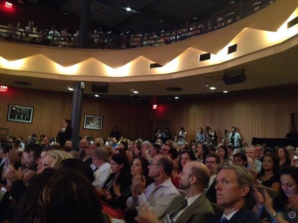 The crowd at #ArtsEdCultureNYC forum. @OneforCulture Moderators: @LeonardLopate @KBAndersen pic.twitter.com/lkGtSOkqCl
