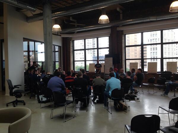 Talking evolution of APIs at #apicraft. pic.twitter.com/dqCsrx3WkN