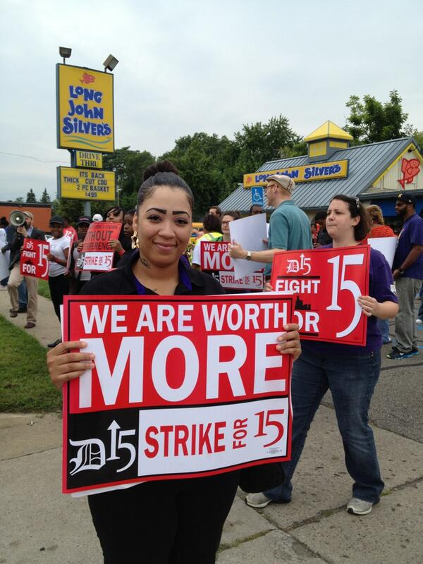 Shanise from @tacobell says her $8.09 hourly wage is not enough to support her three kids - 12, 9 and 3. @detroit_15 pic.twitter.com/zHYcrtNmKE
