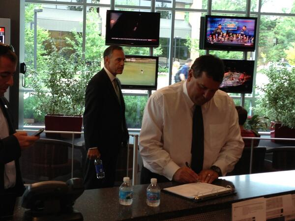 @umichfootball's Coach Hoke and @MSU_Football's Coach Dantonio checking in at #ESPN for #ESPNB1G pic.twitter.com/u7jjbafs3t