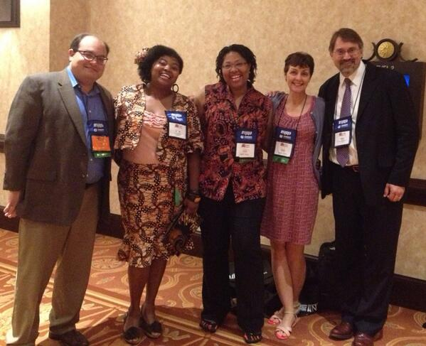 The #Science10113 #NABJ13 panel a hearty thanks to @jbey @robinllyod99 @ivanoransky @davidkroll !!!! pic.twitter.com/Orq0qZxxwM