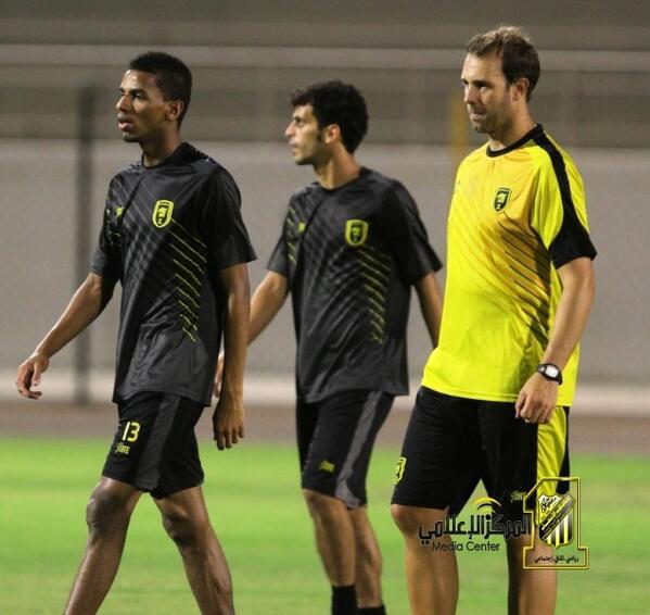 الفريق يعاود تدريباته ملعب النادي