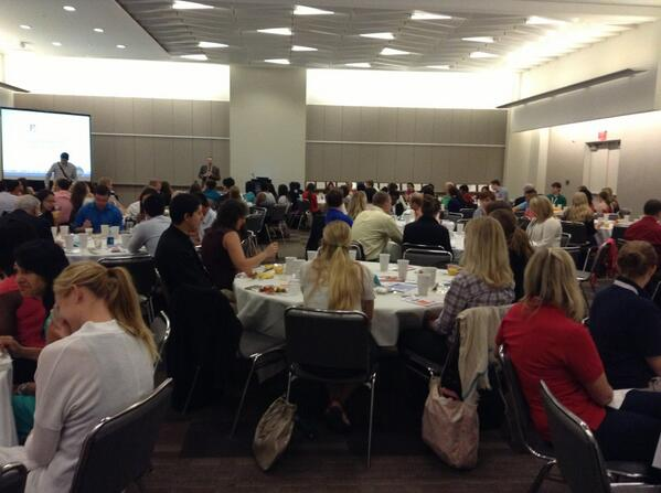 #FMIG breakfast is packed! Meet the future of Family Medicine! #aafpnc pic.twitter.com/7cLVvqEFSk