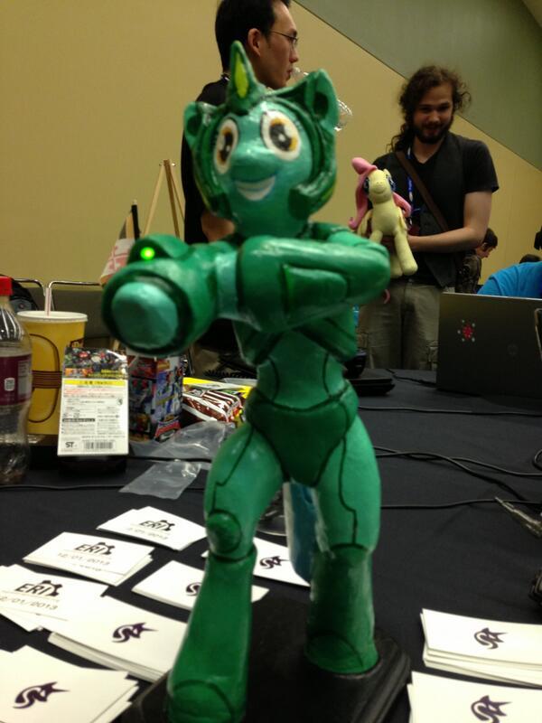 Megamare X statue
