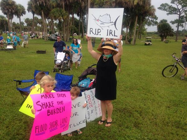 """R.I.P. IRL"" protest sign at the #IndianRiverLagoon rally at Phipps Park in Stuart. pic.twitter.com/Frw8QPvP81"
