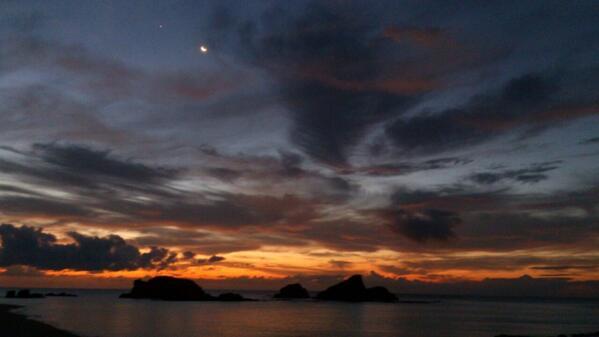 種子島の夜明けが美しすぎます…