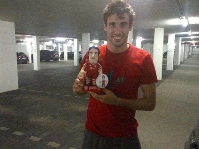 Os gusta mi nuevo muñeco? / Do you like my new doll? http://t.co/WFWtopwnO2