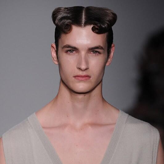 """Jesse on Twitter: """"This is the hairstyle I'm going for....lol Jk http ..."""