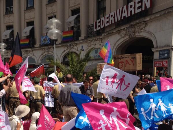 La manif pour tous à Munich avec le néonazi Karl Richter