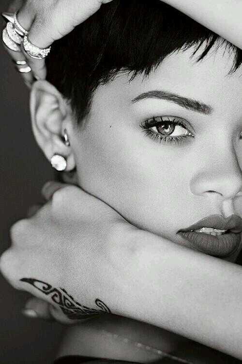 Fotos anteriores de Rihanna [3] > Apariciones, Photoshoots... - Página 7 BR3vin6CYAMio8F