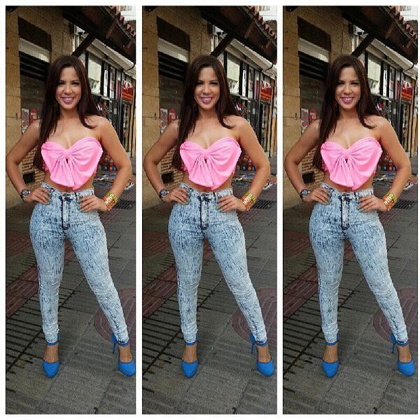 Uzivatel Bonita Fashion Na Twitteru Yubelkis Peralta Modelando Los Pantalones Talle Alto Y Blusa Laso Solo Lo Encuentra En Bonita Fashion Tusambildo Http T Co Eq9717xu5o