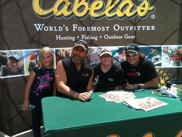 Shawn michaels on twitter thank you to cabelas in hamburg pa 0 replies 3 retweets 3 likes m4hsunfo