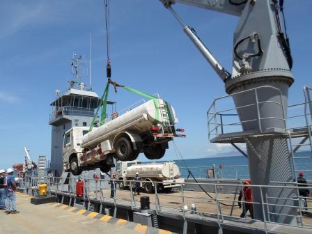 Escuadrón de buques anfibios y servicios BR9QWY8CUAAN8NT