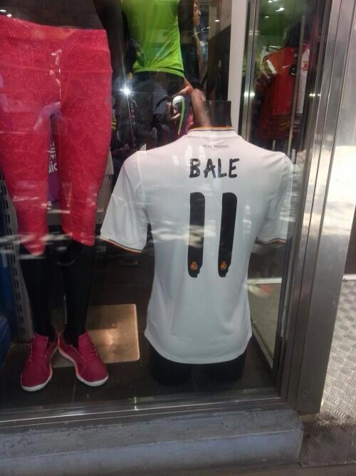 Tottenham fans wont like this: Bales #11 Real Madrid shirts being sold in Gibraltar [Pictures]