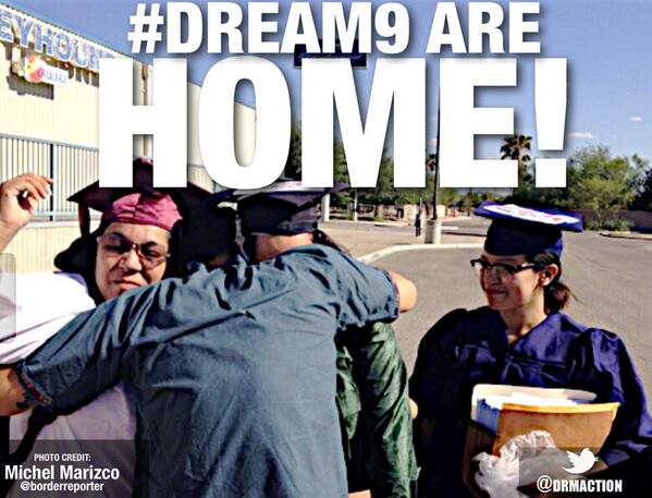 @latinorebels After a journey through US #immigration detention, the #DREAM9 are home (photocredit: @borderreporter) pic.twitter.com/LY5RAZOP0A