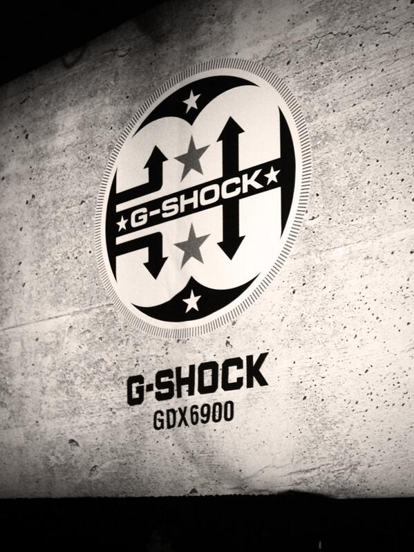 About to see #SlimShady himself at the GShock party #casio throws a good fête. #STW2013 pic.twitter.com/OYCu57BLLy