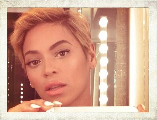 Fave Hairnista @Beyonce got  a fab new hairdo! Get the look from our Trendy Collection via http://t.co/XGDVF54GdF http://t.co/mEdPtQVVRu