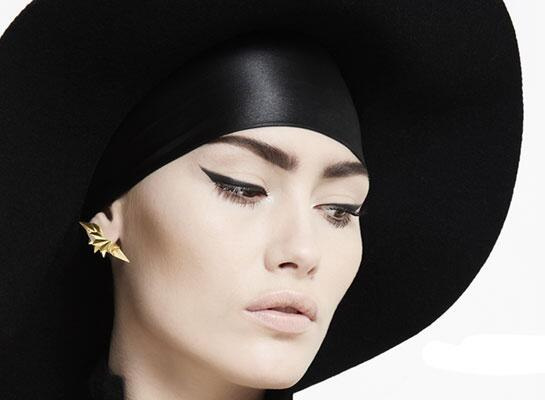 The Wing Reverse earrings from Danish designer @mariablackcom pack a three-dimensional punch. http://t.co/I8egdOWCCT http://t.co/V6Ru194vub