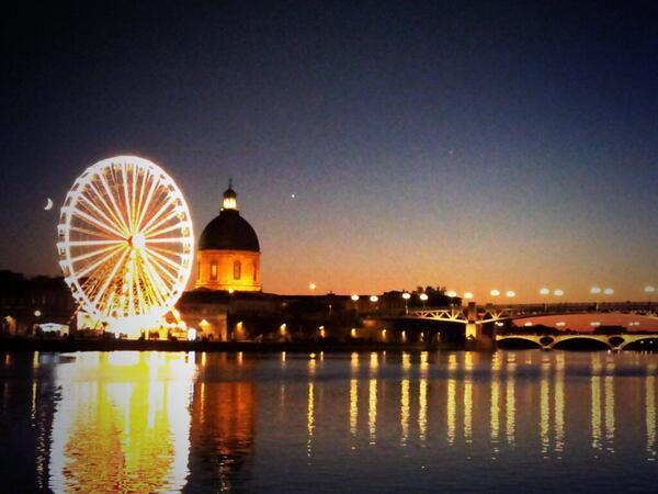 Un soir d'été en bord de #Garonne, douceur de vivre à la toulousaine... #LoveToulouse @toulousefr @VisitezToulouse http://t.co/H0xQfHXx3r