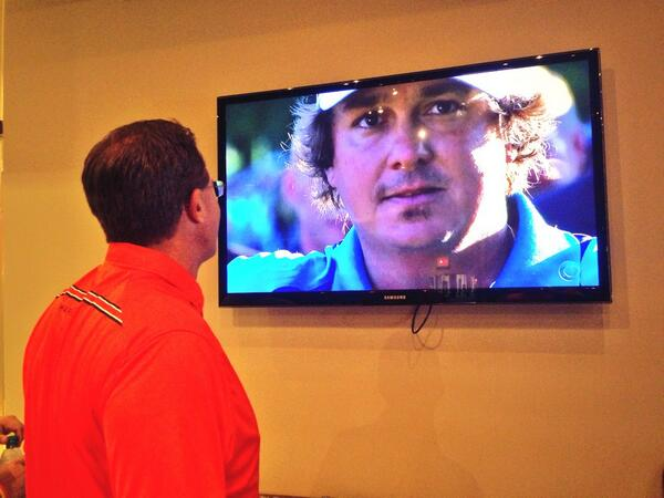 .@CoachGusMalzahn watching @JasonDufner trophy presentation at @PGAChampionship #WarEagle pic.twitter.com/uVkY3I2Vk2