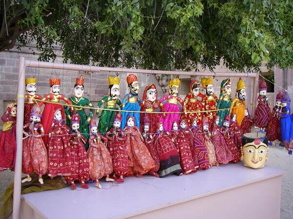 #travelindia This pic from Mehrangarh Fort defines Rajasthan for me.. colourful, artistics & quircky :) pic.twitter.com/mmEc5zfepm