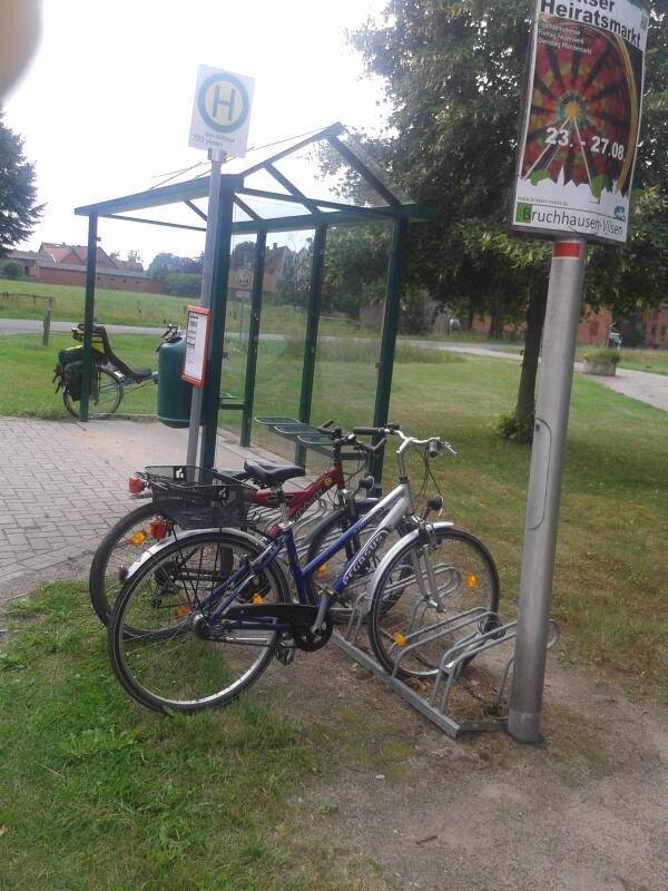 Integrated transport in germany. And the buses tow bike trailers http://t.co/25wQuaP5Y1
