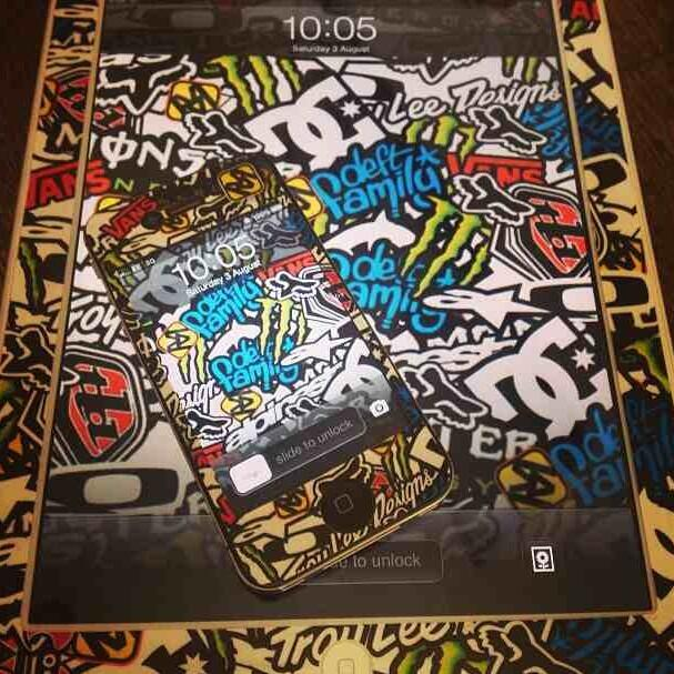 Merge Decals On Twitter IPad And IPhone Sticker Bomb Graphics Wallpapers Mergedecals Mx Motolife Tco DLRaEsKjKV
