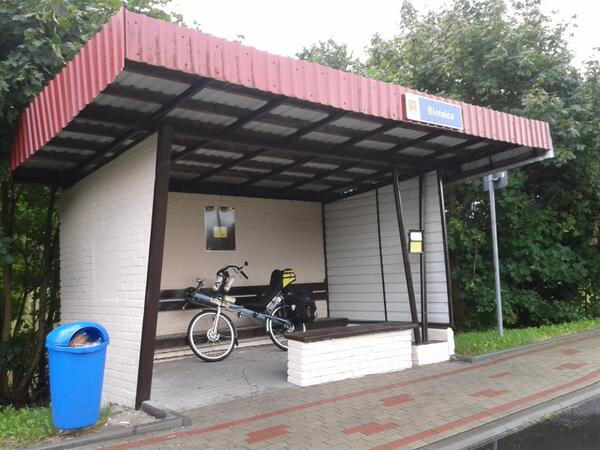 Poor quality polish roads redeemed by some rather excellent bus shelters http://t.co/COE13BNJk9
