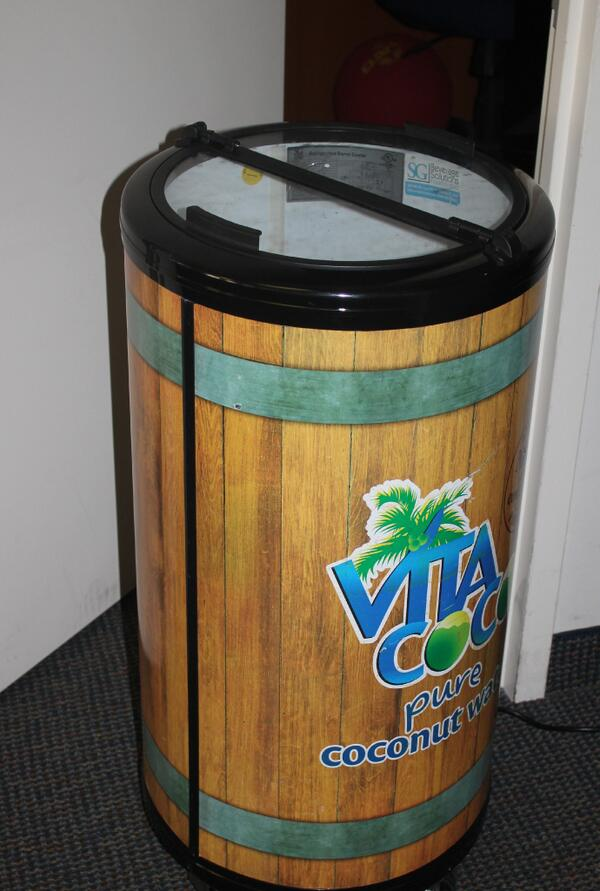 Unlimited hydration here in the office. @VitaCoco hooks us up! pic.twitter.com/UegWilygbP