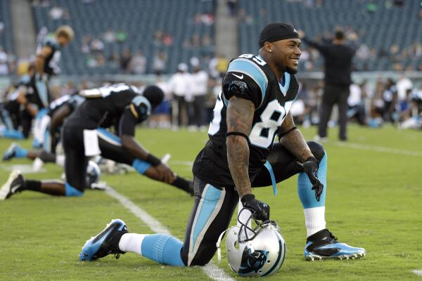 AllBlack the best RT Panthers  Steve Smith stretching before tonight s game.   CARvsPHIpic.twitter.com xB0uGVZ40O 20f74eeb2