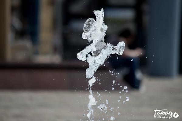 "CGじゃないだと ""水がマリオやヨッシーに!?奇跡の一瞬をとらえた海外ファンアート http://bit.ly/15nAzOZ "" マリオU http://amzn.to/15nAMBQ"